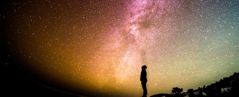 モルダバイトの宇宙起源